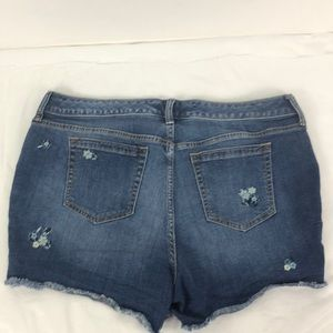 torrid Shorts - Torrid Floral Embroidered Denim Shorts Sz 14